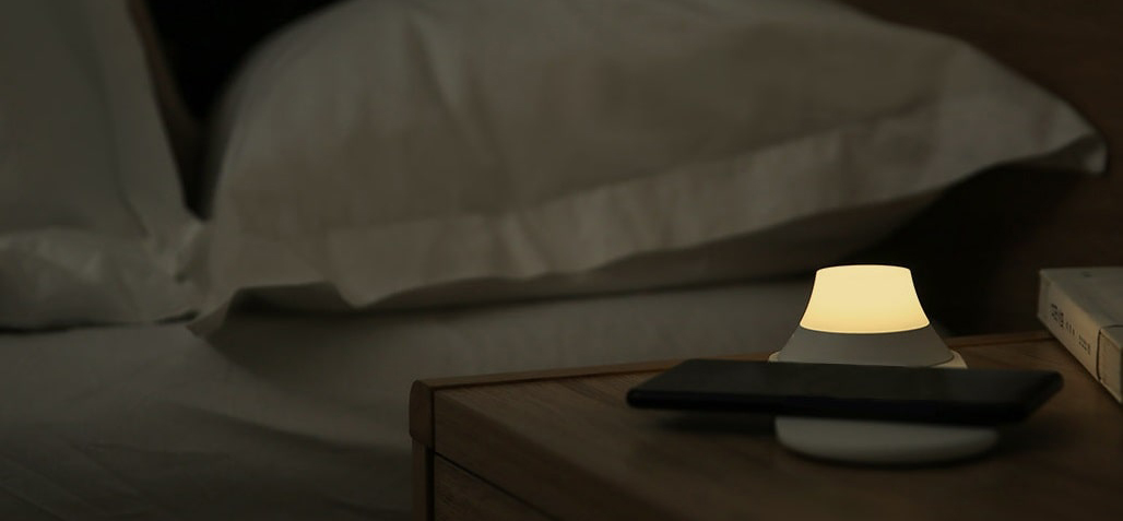 xiaomi-yeelight-wireless-charging-night-light_13.jpg